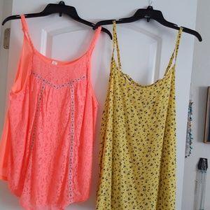 2 blouses